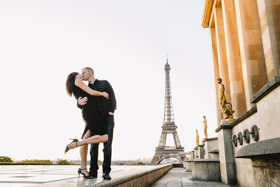 Reasons to Hire a Vacation Photographer | Couples photos in front of the Eiffel Tower, Trocadero at sunrise