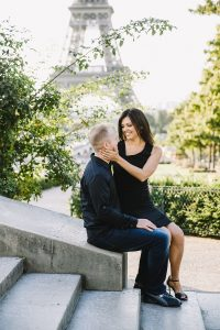 Reasons to Hire a Vacation Photographer | Couples Photos at the Eiffel Tower at sunrise