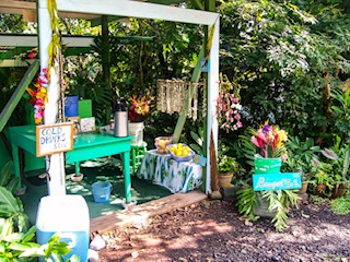 Local, Handmade Souvenirs at Roadside Stand in Maui