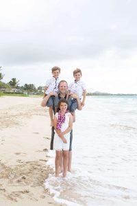 Reasons to Hire a Vacation Photographer | Family Photos on Oahu, Hawaii at Kailua Beach