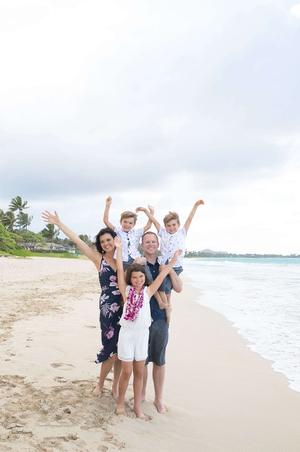 Work with Us: Free to Travel Mama Family Photo