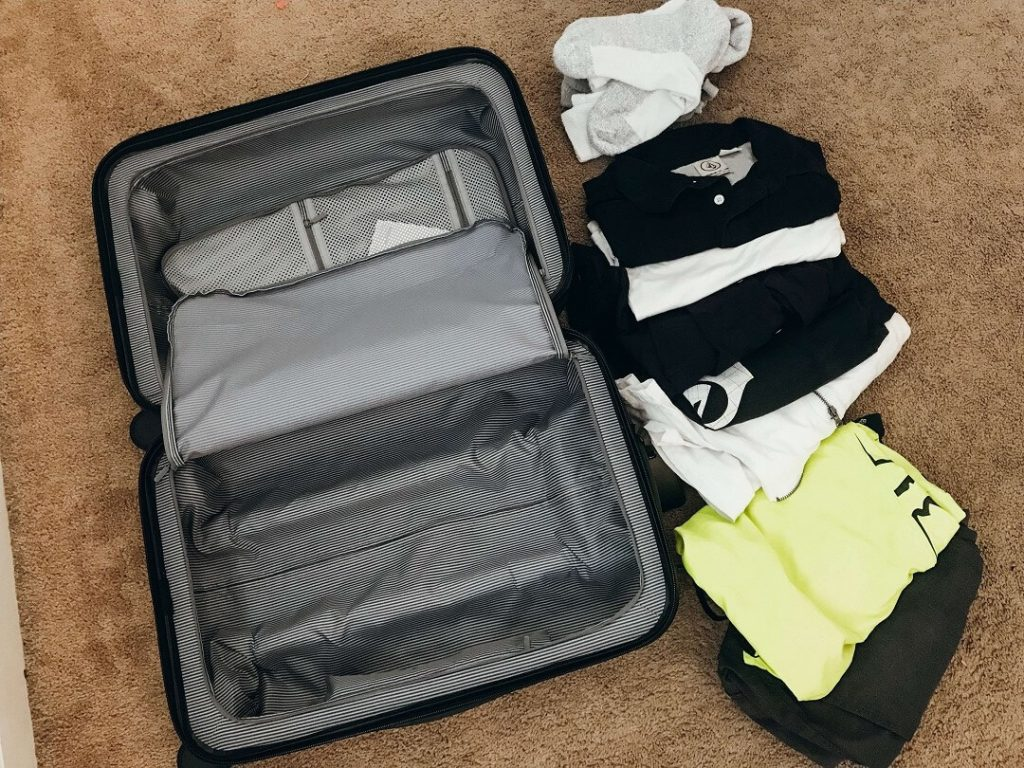 Best Hard Shell Luggage |  Chester Carry-On and Regula Checked Spinner Suitcases Review | with two compartments for easy packing #freetotravelmama #chesterluggage