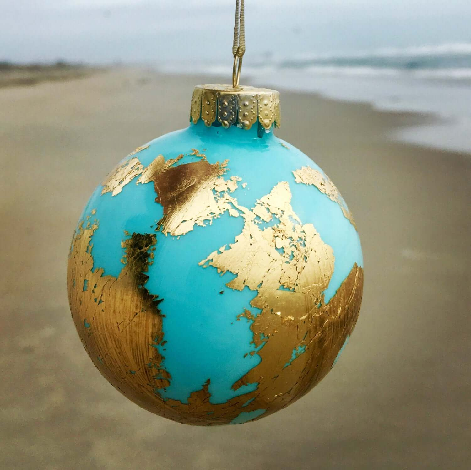 Best Travel Christmas Ornaments - Free to Travel Mama