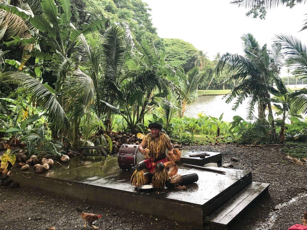 Ali'i Coconut Show at Tropical Macadamia Nut Farm on Oahu  #freetotravelmama | Oahu Hawaii Photography | Oahu Instagram Pictures |  Oahu Instagram Spots | Instagram Worthy Pictures in Oahu | Hawaii Instagram Pictures Oahu | Best Places for photos Oahu | Best Photo Spots Oahu