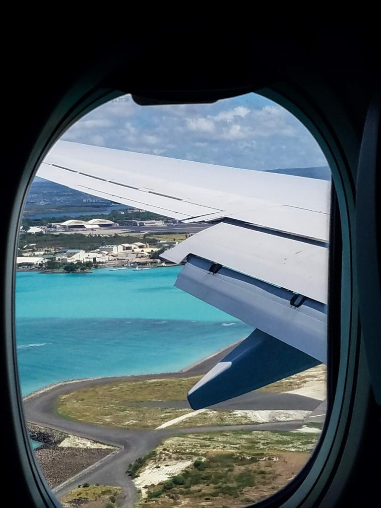 airplane window view hawaii