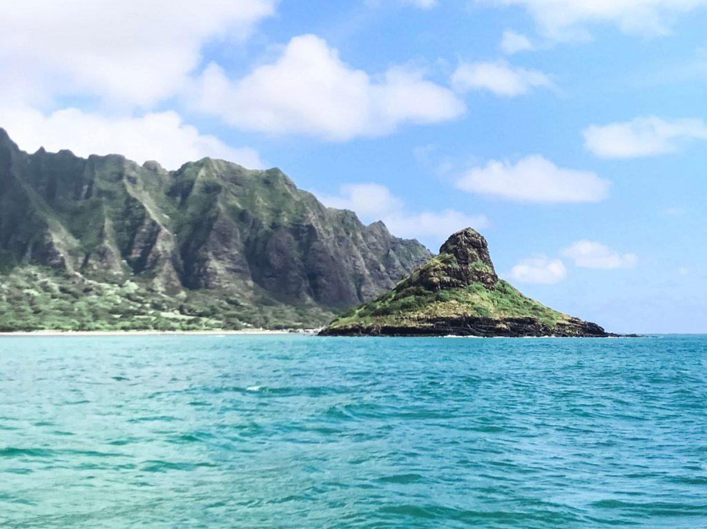 Chinaman's Hat, Island of Oahu, Hawaii, Kaneohe Bay  #freetotravelmama | Oahu Hawaii Photography | Oahu Instagram Pictures |  Oahu Instagram Spots | Instagram Worthy Pictures in Oahu | Hawaii Instagram Pictures Oahu | Best Places for photos Oahu | Best Photo Spots Oahu